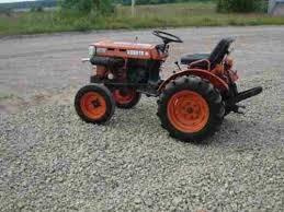 Kubota Models B5100D B5100E B6100D B6100E B6100HST-D B6100HST-E B7100D B7100HST-D B7100HST-E Tractor Repair Manual Download PDF